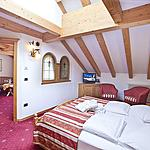 Romantic Suite  - Two rooms divided by the maximum comfort with view on the Dolomites