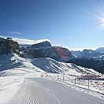 Val di Fassa and its 9 ski areas - Endless tracks on your skis!